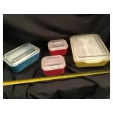 Four Piece Pyrex Refrigerator Dishes With Lids