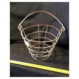 Golf ball basket
