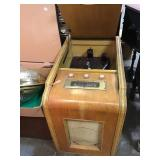Farnsworth radio and turn table