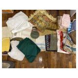 Table Cloths, Cloth Napkins, Linens
