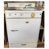 Antique Stove/ Sink/ Frig./ Freezer