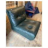 GREEN LEATHER RETRO CHAIR