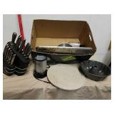 Stoneware Pizza platter, Magic Bullet, knife set