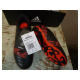 NEW ADIDAS JUNIOR SIZE 6 SOCCER SHOES