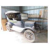 1916 Ford Model T sedan