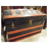 Camelback Dome Trunk with tray