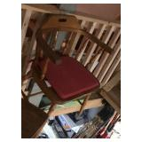 Kitchen chair with arm rests