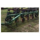 John Deere 2000 5 bottom plow