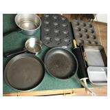 Lot Kitchen Pots, Pans, Muffin Tins, etc...