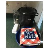 Lot incl. Enamel Steamer, Crocker Cookbook, PBR