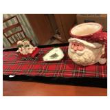 Table Runner with X-Mas Items