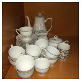 Tea set (Multiple items)