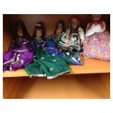 Assorted international dolls (5)