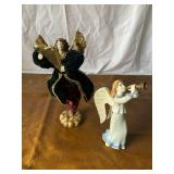 Coleport angel with trumpet & dancing angel