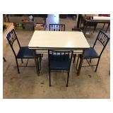 ENAMEL TABLE WITH 4 IRON CHAIRS