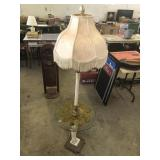 VINTAGE FREESTANDING LAMP
