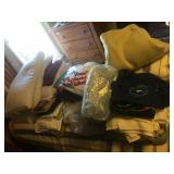 LARGE LOT OF BED LINENS