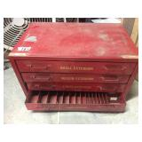 RE METAL TOOL BOX