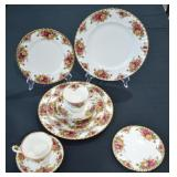 2 Royal Albert Place Settings Old Country Roses