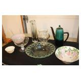 Miscellaneous lot-teapot/pitcher/bowls