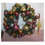 "Wreath-19"" diameter & holder"
