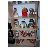 Contents of shelves-snowmen/Christmas d'cor