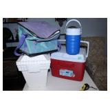 Rubbermaid Cooler and Thermos/cooler bag and