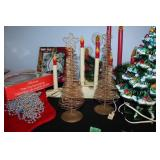 Large lot of assorted Christmas d'cor-see
