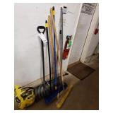 LOT OF VARIOUS LONG HANDLED TOOLS