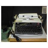 SCM 250 Electric Typewriter