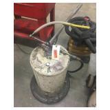 Arrow Manual Lubricant Pump on Wheels