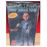 59 - STAR TREK DEEP SPACE NINE QUARK (B39)