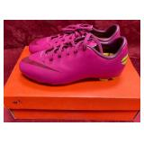 152 - NEW NIKE YOUTH PINK CLEATS 3Y UK-2.5 (3)