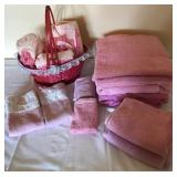 903 - BATHROOM TOWELS & AMMENITIES BASKET
