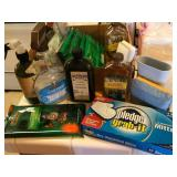903 - MIXED LOT OF CLEA NING SUPPLIES