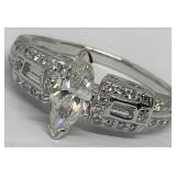 14KT WHITE GOLD 1.75CTS DIAMOND RING FEATURES