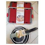 809 - NEW 2 PIECE FRY PAN SET & 2 NEW BAKING SETS