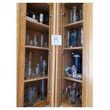 809 - MIXED LOT OF GLASSWARE (K)