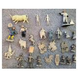 809 - MIXED LOT OF MINIATURES (SEE PICTURES)