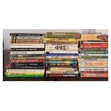 809 - MIXED LOT OF PAPERBACK BOOKS