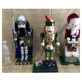 809 - 3 NUTCRACKERS (INCLUDES KNIGHT IN ARMOR)