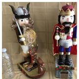809 - 2 NUTCRACKERS (INCLUDES VIKING)