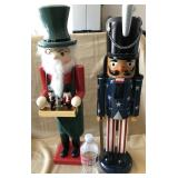 "809 - 2 24"" NUTCRACKERS (INCLUDES UNCLE SAM)"
