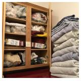 809 - CONTENTS OF LINEN CABINET (B3)