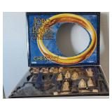 809 - STUNNING LORD OF THE RINGS CHESS SET
