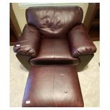 100 - STUNNING BROWN LEATHER CHAIR & OTTOMAN