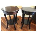 35 - PAIR OF QUAINT ROUND ACCENT TABLES W/DRAWER