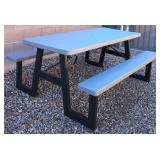 850 - NICE OUTDOOR PICNIC TABLE