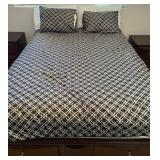 850 - BLACK & WHITE QUILT, PILLOW COVERS