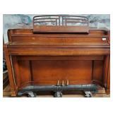 11 - STORY & CLARK PIANO